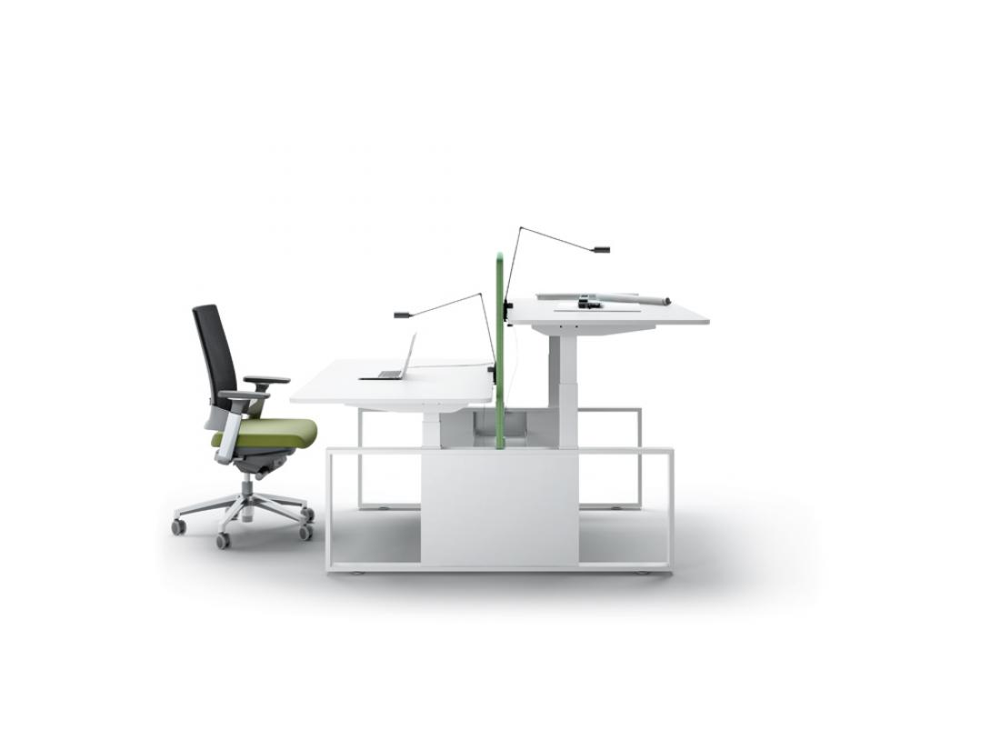 bureau r glable en hauteur lectrique skala idea ko. Black Bedroom Furniture Sets. Home Design Ideas